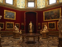 "Room with the ""Venus de' Medici"""
