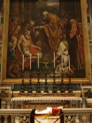 The body of Pope John XXIII beneath the Altar of St. Jerome
